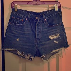 Distressed Levi's denim cut off shorts